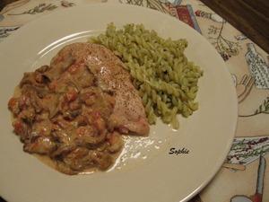 鶏胸肉のシャンテレルとトマトのベーク