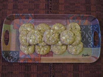 マカデミアナッツとホワイトチョコレートのクッキー
