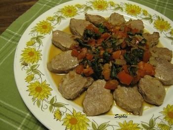 豚肉のメダリオン・ルッコラとトマト添え