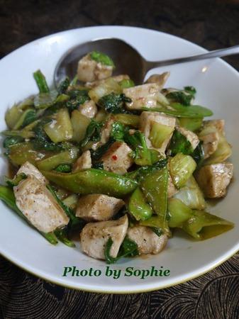 鶏肉とボクチョイの中華炒め