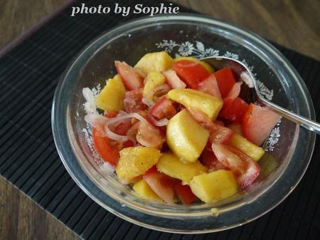 桃とトマトのサラダ