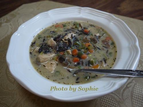チキンとワイルドライスのスープ
