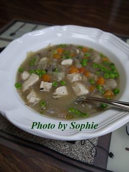 チキンとニョッキのスープ