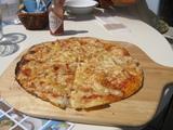 メルズカフェのピザ