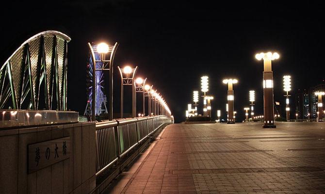 兵どもが夢の大橋・・・かつて東京が明るかった頃にも、「明るすぎた」お台場の夢の大橋です。