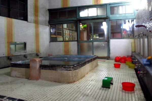 008浴室