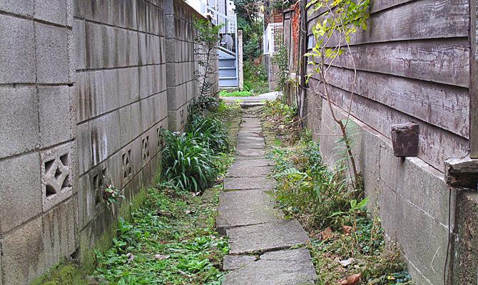 これもまた川の痕跡。杉並の住宅地を縫う極細の暗渠/川跡をたどる