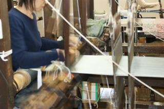 牛首紬機織りN1