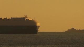 夕陽の大型船No1