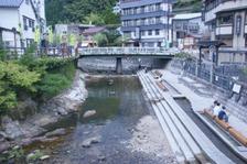 湯村温泉、川と町 004