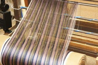 牛首紬機織りN2