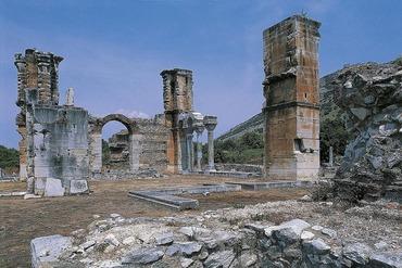Ruins-of-Ancient-Philippi-58b5ce3a3df78cdcd8c08d5b