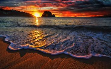 6999869-sunset-beach-waves