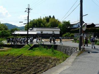檜前神社へ