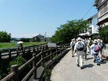 高取川沿いに