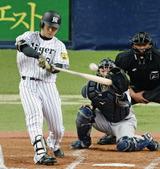 3回に先制2塁打を放った阪神ルーキー高山選手