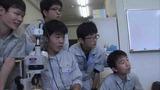 完全人工ふ化に挑戦している三谷水産高校うなぎ班の生徒たち