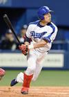 9回二死i一塁、藤井選手がサヨナラ2塁打を放つ