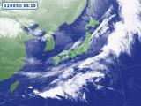 気象衛星から見た5日朝の雨雲の動き