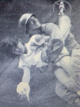 自衛隊に救出される川上慶子さん