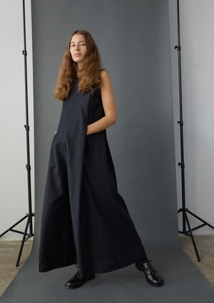 New in STUDIO NICHOSLON 18`pre fall