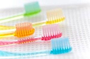 歯科医が絶対に選ばない歯ブラシの特徴