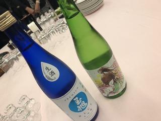 富山の地酒を楽しむ会テーブルの上に置かれた地酒