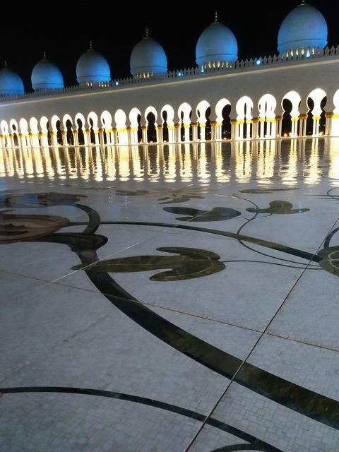 シェイク・ザイード・グランド・モスク アブダビ _20151230_195710