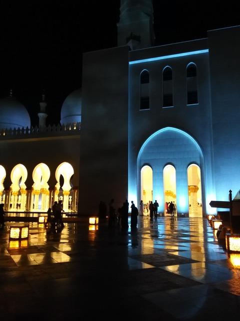 シェイク・ザイード・グランド・モスク アブダビ _20151230_195024