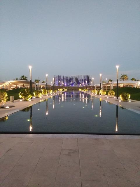 ドバイからアブダビへ小旅行_20151230_175857