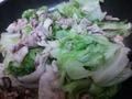 豚肉とレタスの炒めもの