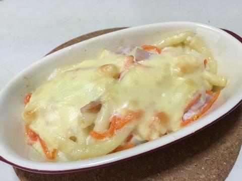 マカロニ&ポテトサラダのチーズ乗せオーブン焼き