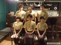 上段左から、斉藤剛志・佐藤ミチル・増川洋一。下段左から、島田恵美子・松風雅也・中谷仁美。(敬称略)