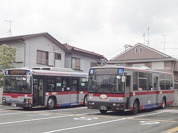 バスのアップ