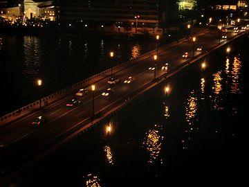 新潟市・夜の萬代橋