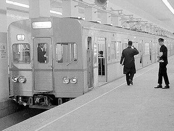開業当時の東西線『高田馬場』駅