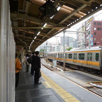 『飯田橋』駅のホーム