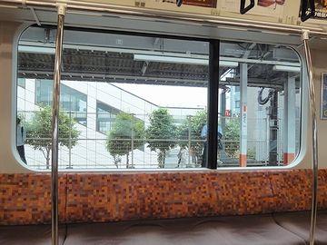 『青梅』の3つ手前の『小作(おざく)』駅に停車したとき