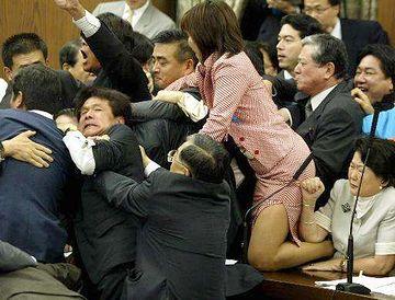 フトモモ議員は、新潟県選出の森ゆうこ