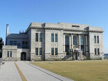 旧第四銀行住吉町支店(昭和2年竣工)。『新潟市歴史博物館』に移築復元されてます。