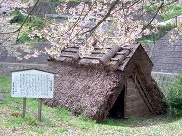 京都府福知山市に残る「産屋」