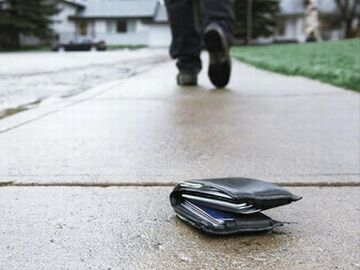 財布を落とす