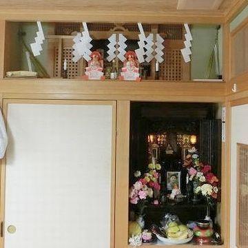 仏壇と神棚が同じ部屋にある