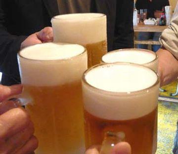 居酒屋に入ったら、まずはビールでしょ