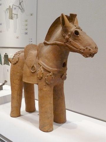 フル装備の馬