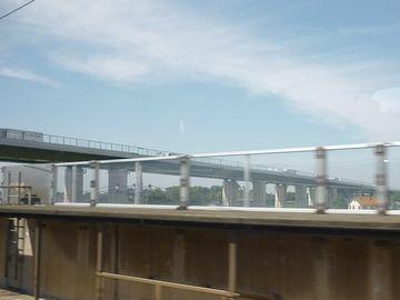 跨線橋が見えます