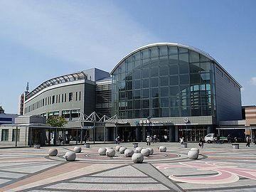 『高松駅』。立派ですねー。『新潟駅』なんて、比べ物にならんです。情けない。