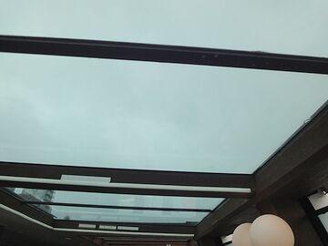 屋根は透明