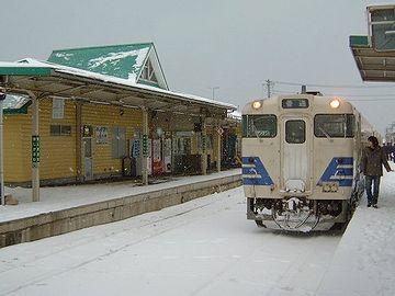 雪の『鰺ヶ沢駅』