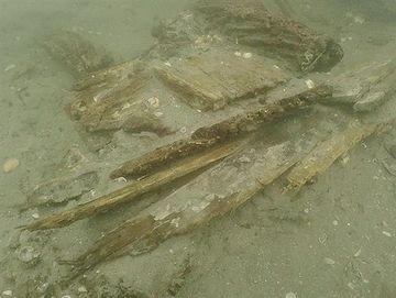 長崎沖で見つかった、元寇船